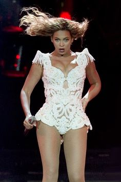 Stacy loves this outfit- wants to do something like this for shoot  Beyonce - style file