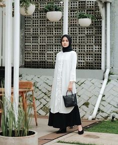 Modern Hijab Fashion, Street Hijab Fashion, Muslim Women Fashion, Casual Hijab Outfit, Hijab Chic, Hijab Style Dress, Modele Hijab, Mode Abaya, Instagram Fashion