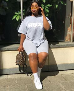 50 best plus size outfits for school Chill Outfits outfits School Size Girls Winter Fashion, Thick Girl Fashion, Plus Size Fashion For Women, Fall Fashion Outfits, Mode Outfits, Curvy Fashion, Summer Outfits, Chill Outfits, Fashion Black