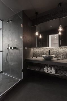Black Colour Scheme for a bathroom? I love it.. but could never have it :( More