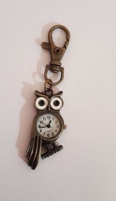 Schlüsselanhänger / Anhänger Eule mit Uhr / bronzefarben / vintage
