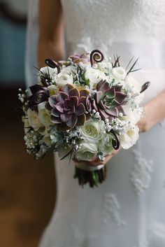 Succulent and rose bridal bouquet | Photographer: Jenn Anibal | New Creations Flower Company