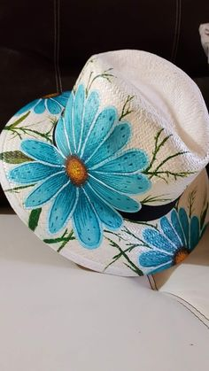 Painted Hats, Painted Clothes, Hand Painted, Tole Painting, Fabric Painting, Tods Bag, Mexican Hat, Hat Blocks, Sharpie Art