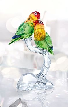 Crystals Ideas Stones Decoration How To Make Glass Figurines, Collectible Figurines, Swarovski Crystal Figurines, Swarovski Crystals, Cristal Art, Apple Art, Blown Glass Art, Magical Jewelry, Glass Artwork