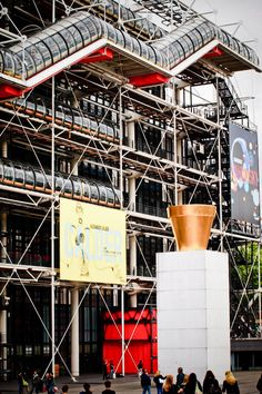 Centre Georges Pompidou is a complex in the Beaubourg area of the Francia Paris, Paris France, Paris Paris, Paris City, Georges Pompidou Centre, Structural Expressionism, Late Modernism, Dead Ringers, Deconstructivism