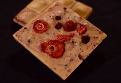Vegan, handmade, artisan white chocolate with wild berries. Crispy and super sweet, thats a promise <3