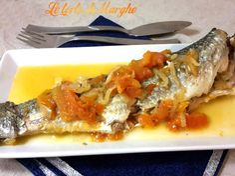 Cefalo stufato con salsa Oggi vi propongo un delizioso piatto a basa di pesce. Cefalo stufato con salsa,un secondo davvero molto gustoso...................