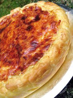 Savory pie with pumpkin and taleggio - La Torta con zucca e taleggio è una torta rustica resa più delicata dalla presenza di un formaggio gustosissimo, che si sposa benissimo con la zucca.