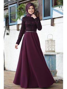 İmge Fuşya Elbise – Al – Marah - Pakistani dresses Muslim Prom Dress, Hijab Evening Dress, Hijab Dress Party, Hijabi Gowns, Pakistani Dresses, Hijab Fashion, Fashion Dresses, Muslim Women Fashion, Womens Fashion