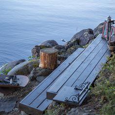 Diy nuotiopaikka rannalle - Sisustuskuva jäseneltä LeilaKoistinen - StyleRoom.fi Lake Cottage, Cottage Homes, Backyard Cabin, Natural Swimming Ponds, Cabin Chic, Guest Cabin, Coastal Gardens, Cabins And Cottages, Cottage Interiors