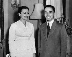 1er mariage >le 18 avril 1955 à Sharifa Dina Abdul-Hamid (devenue la reine Dina), née en Égypte le 18 avril 1929 ; ils ont eu une fille avant leur divorce en 1957 : la princesse Alia (née le 13 février 1956), mariée à Mohamed Al-Saleh. Elle a trois fils, Hussein, né en 1981, avec Nasr Wasfi Mirza, Talal, né en 1989 et Abdul Hamid, né en 1992, avec Mohamed Al-Saleh.