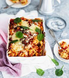 Helppo uuniruoka – katso ohjeet   Meillä kotona Pasta Carbonara, Fajitas, Vegetable Pizza, Lasagna, Quiche, Vegetarian Recipes, Food And Drink, Vegetables, Breakfast