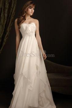 Elegant Wedding Dress with A Magnificent Floral Motif