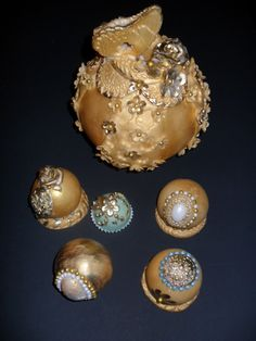 Bauble cakes https://www.facebook.com/#!/Albena.cakes