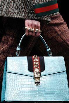 d8d1f120da6b Amazon.com  Women s Handbags Wallets - Prime Eligible