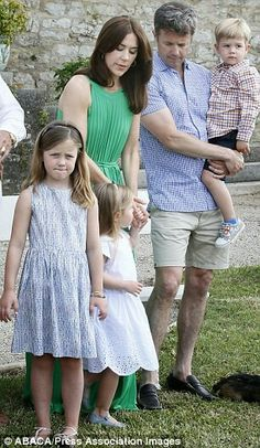 Princess mary with her family