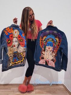 Denim jacket painted by hand; Denim jacket with art; Jacket with paint; Art - Hand painted denim jacket Denim jacket with art Gift Custom Diy Clothing, Clothing Patterns, Denim Kunst, Gilet Jeans, Pop Art, Painted Denim Jacket, Denim Paint, Mode Hippie, Jean Jacket Outfits