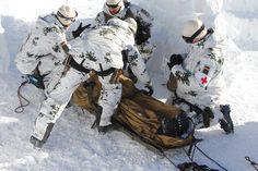 Luftwaffe, Navy Seal Gear, Winter Camo, Camouflage Patterns, Military Guns, German Army, Modern Warfare, Navy Seals, Panzer