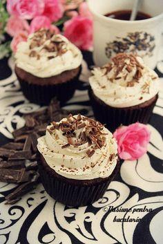 Black and white cupcakes Black And White Cupcakes, Muffins, Sunday Morning, Desserts, Food, Tailgate Desserts, Muffin, Deserts, Essen