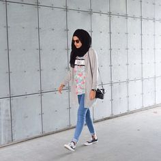 How To Wear Hijab Outfit With Casual Looks Islamic Fashion, Muslim Fashion, Modest Fashion, Girl Fashion, Fashion Outfits, Hijab Casual, Hijab Chic, Modest Outfits, Casual Outfits
