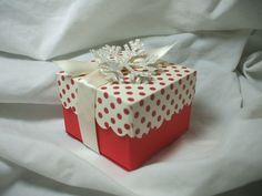 gift box made from 1 sheet of paper. Half sheet for box, 1/4 sheet for lid.