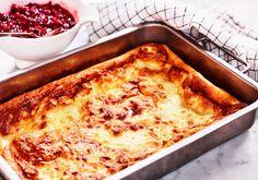Tjockpannkaka - Recept | Arla Budget Meals, Budget Recipes, Swedish Recipes, Lasagna, Chorizo, Macaroni And Cheese, Food And Drink, Zucchini, Bacon