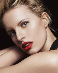 Karolina Kurkova. Bold Red Lip.