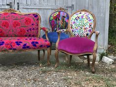 What do you do when a potential client wants a set of chairs for one of the biggest clothing and accessory trade shows in Las Vegas? You say YES! That's exactly what happened last month. The initial request was for 6 chairs to dress up a clothing company called Boho Jane. As the name suggests, the … #PaintedChair