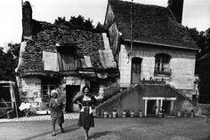 Les dames de Vouvray   juin 1977  ¤ Robert Doisneau   25 avril 2015   Atelier Robert Doisneau   Site officiel