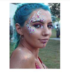 Festival face paint rave face paint, glow face paint, glitter toms, elmer&a Rave Face Paint, Glow Face Paint, Glitter Face Paint, Glitter Art, Glitter Toms, Glittery Nails, Glitter Glue, Glitter Nikes, Glitter Images