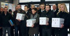 За кампању 77.000 евра - http://www.vaseljenska.com/politika/za-kampanju-77-000-evra/