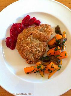 Rehschnitzel in Haselnusspanade mit Cranberry-Chutney