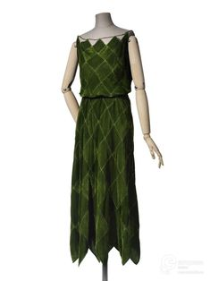 Rate the Dress: a Vionnet harlequin in green velvet – The Dreamstress