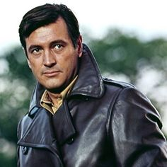 So handsome and an underrated actor~Rock Hudson~loved him with Doris Day Old Hollywood Stars, Hollywood Actor, Golden Age Of Hollywood, Vintage Hollywood, Classic Hollywood, Film Man, Most Popular Movies, Rock Hudson, Handsome Actors