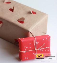Forma criativa de embalar presentes: http://topartesanato.com/forma-criativa-de-embalar/  #artesanato