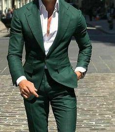 Green Wedding Suit, Wedding Suit Styles, Casual Wedding, Wedding Suits For Groom, Male Wedding Guest Outfit, Mode Masculine, Dark Green Suit Men, Mens Green Blazer, Green Tux