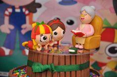 Resultado de imagem para bolo cenografico sitio do pica pau