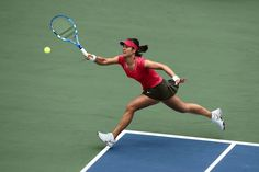 Li Na - making Asian female athletes proud all over the world Serbian Flag, Foto Sport, Bull Logo, Court Dresses, Classic Skirts, Rafael Nadal, Roger Federer, Long Shorts