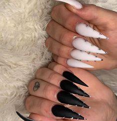 black and white Stiletto nails art design, acrylic stiletto nails long, classy stiletto nails design Long Nail Designs, Acrylic Nail Designs, Nail Art Designs, Nails Design, Acrylic Art, Acrylic Nails Stiletto, Black Coffin Nails, Acrylic Nails Natural, Best Acrylic Nails