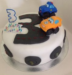 Car-themed birthday cake