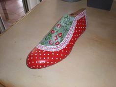 Dutch Wooden Shoes, Shoe Stretcher, Shoe Last, Painted Shoes, Cobbler, Vintage Industrial, Cool Stuff, Shop Ideas, Shopping