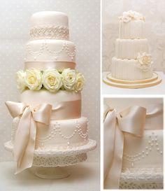 Surrey Wedding cakes by the Daisy Chain Cake Company