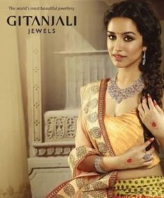 Shraddha Kapoor, Sari, Hairstyle, Fashion, Saree, Hair Job, Moda, Hair Style, Fashion Styles