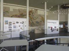 """Michael Gollong – Ausstellungsdesign """"Artists & Magazines"""" München. Kuratiert von Horst Moser und Dr. Ilka Kloten."""