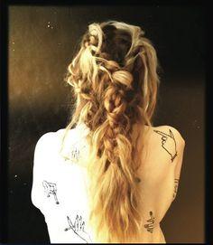 "Lou teasdale's ""The Craft"" hair style"