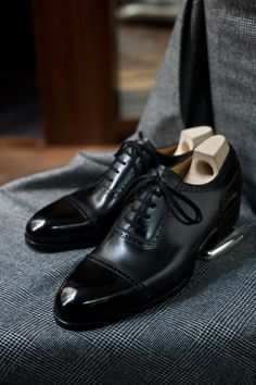 Love these satiny brogues. Makes me think of a low-key tuxedo look.  Downeast and out