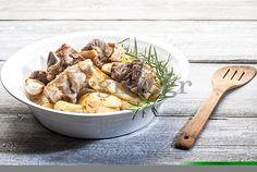 Κατσικάκι λεμονάτο λαδορίγανη με μελωμένες πατάτες στη γάστρα (Το Πρωινό 25.11)