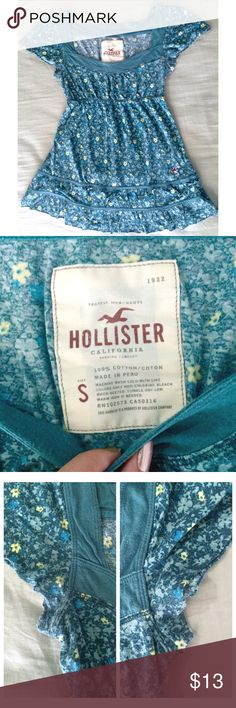 Hollister Floral Blouse 🎀 HOLLISTER blue-green blouse with yellow & blue flowers 🎀 size S 🎀 slight fading in the underarms, not easily noticed while wearing the shirt 🎀 Hollister Tops Blouses Green Blouse, Floral Blouse, Blue Green, Yellow, Hollister Tops, Fashion Design, Fashion Tips, Fashion Trends, Blue Flowers