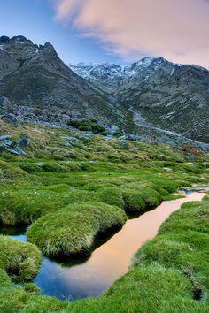 Gredos Regional Park, Ávila | Spain (by Pablo S. Eljas)  Source: Flickr / pabloseljas