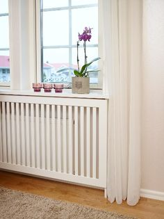 Elementskydd Elsa Apartment Interior Design, Home Office Design, Decor Interior Design, House Design, Home Bedroom, Home Living Room, Hallway Furniture, Small Room Decor, Radiator Cover